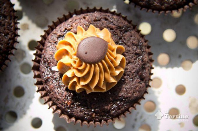 Cupcakes extra dark con noci brasiliane e toffee salato