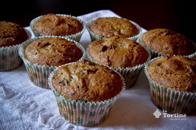 Muffin integrali al farro, noci e cioccolato fondente