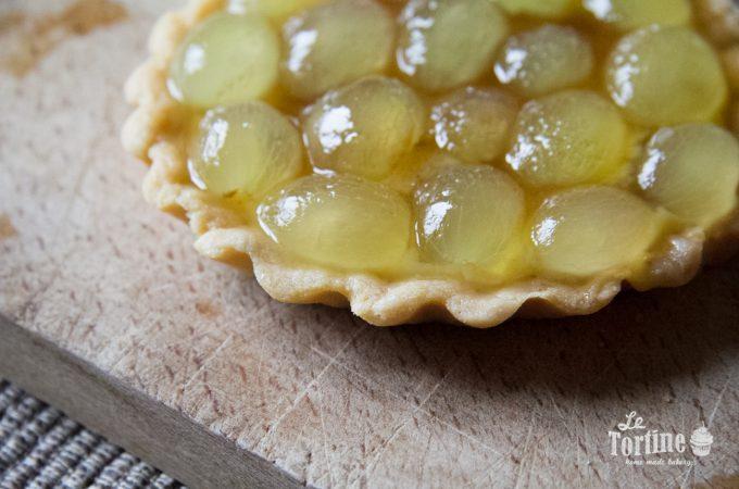 Crostatine alla crème brûlée e uva bianca
