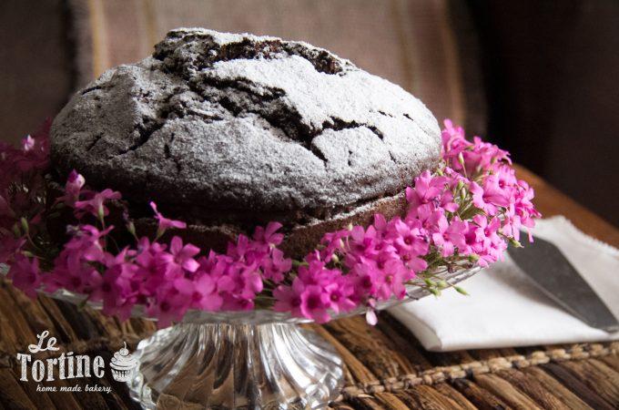 Torta di grano saraceno al cioccolato e marmellata di pere