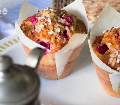Muffin integrali ai fiocchi di farro e lamponi