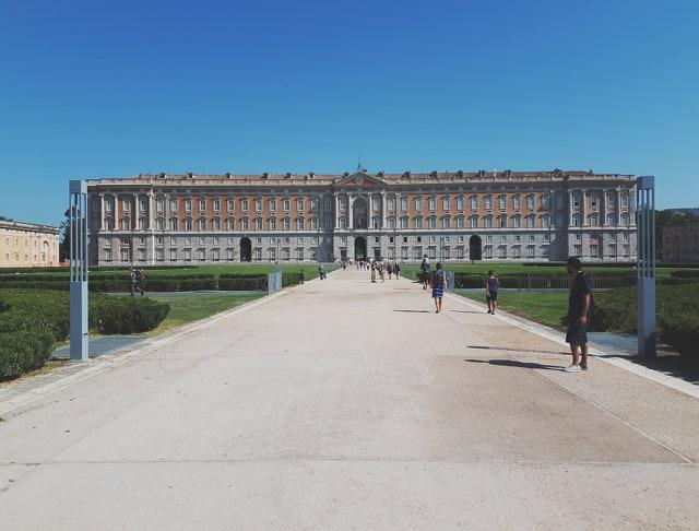Consigli utili per chi non ha ancora visitato la magnifica Reggia di Caserta.