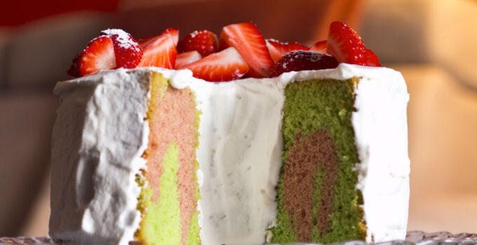 Chiffon cake al pandan e fragole
