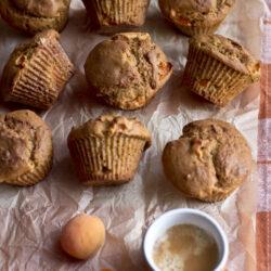 Muffin albicocca e caffè